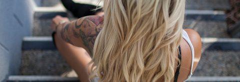 Vi styler alle typer hår med naturlige produkter!
